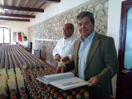 the-nunez-de-prado-obession-with-perfection-olive-oil-times-felipe-nunez-de-prado-overswards-the-handlabeling-of-flor-de-aceite