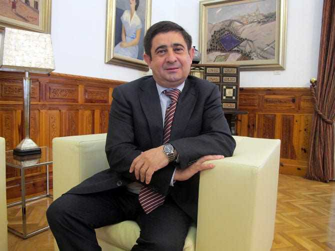 in-jaen-conquerering-palates-get-a-fair-price-for-huile-dʻolive-francisco-reyes-martinez