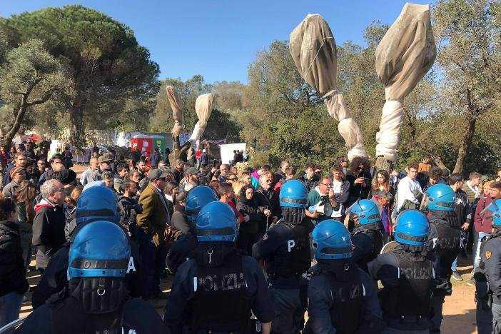 protesters-in-puglia-clash-with-police-over-removal-of-olive-trees-for-pipeline