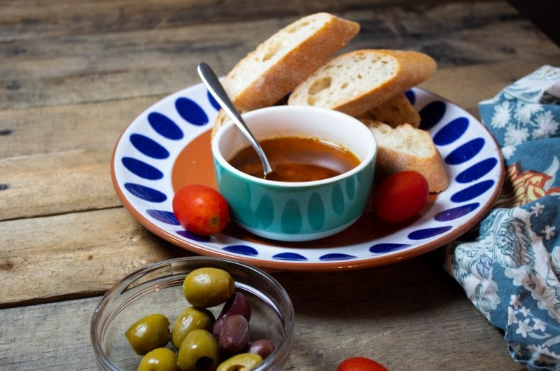 huile-de-trempette-ail-et-origan-huile-d'olive-fois-huile-de-trempette-ail-et-origan